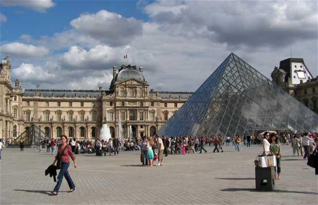 Plaza del Louvre