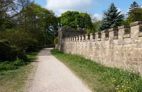 Sentiero cerca del castillo Ripley