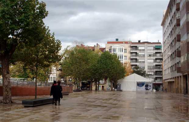 Ezkurdi Square