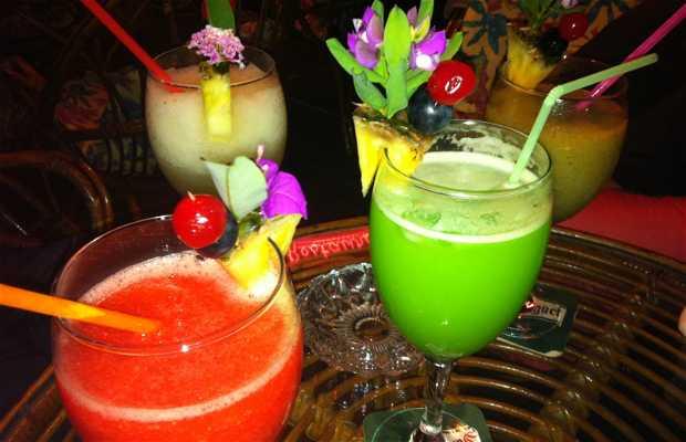 Bar Polinesian
