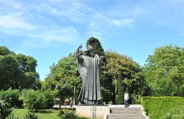 Statue de Grgur Ninski