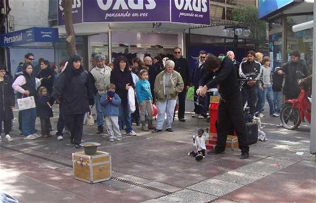 Marionetas en Peatonal San Martín