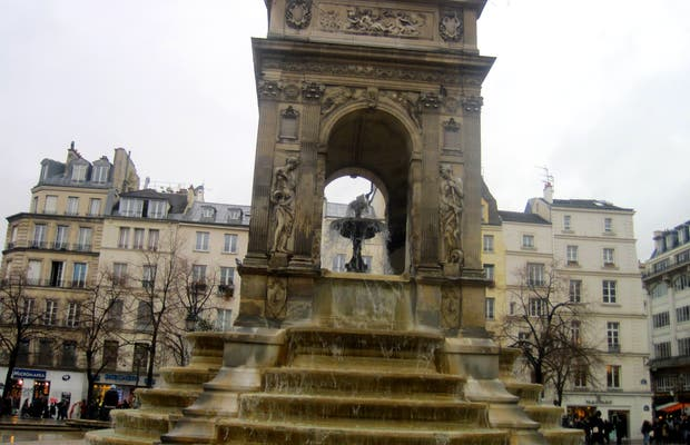 Fontana degli Innocenti