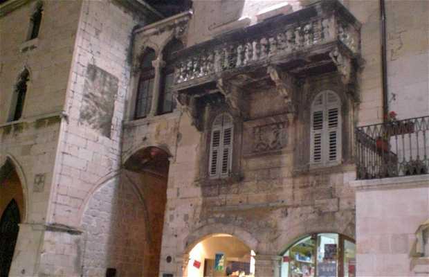 Karepic Palace