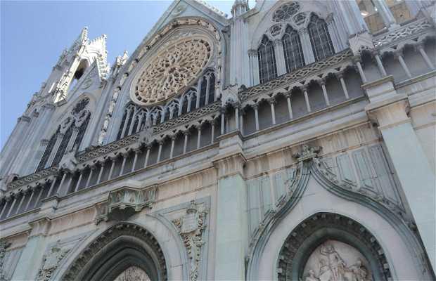 Eglise expiatoire del Sagrado corazon de Jesus
