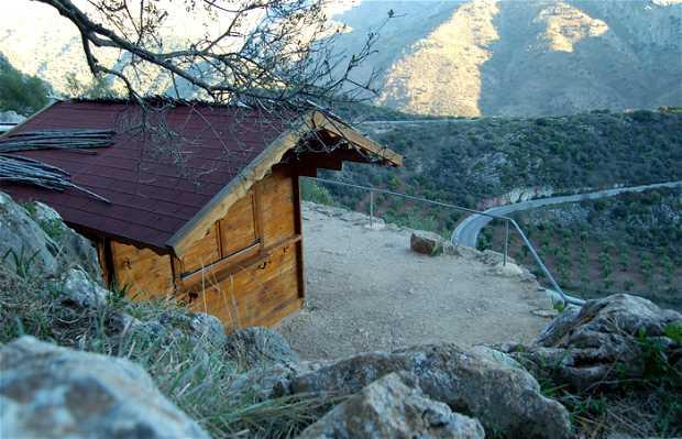 Cabane aux abords de la grotte de la Pileta