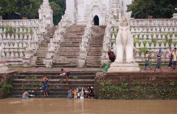 Escaleras de Mingun