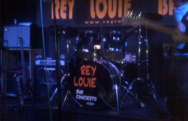 Louie King Concert Bar