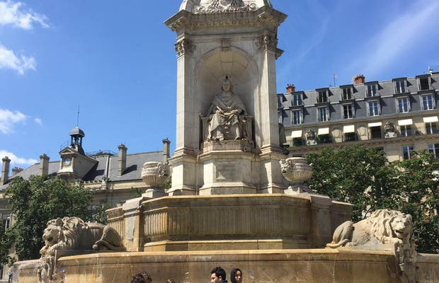 Plaza Saint Sulpice