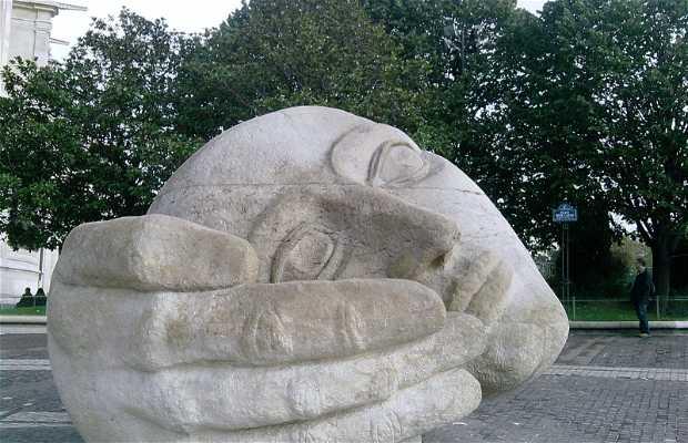 Statue L'Ecoute