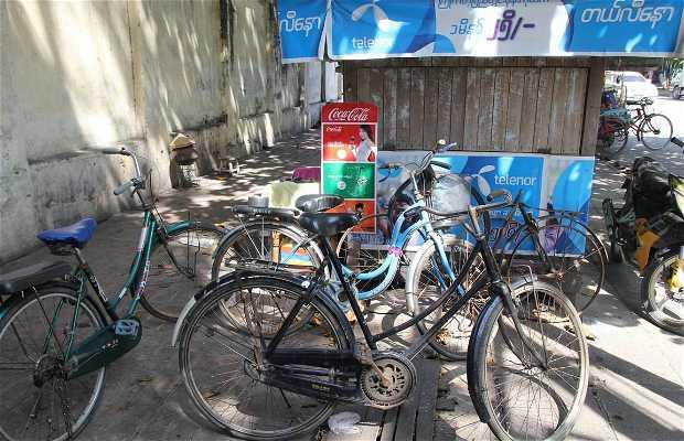 Puesto de alquiler de bicicletas de Mandalay