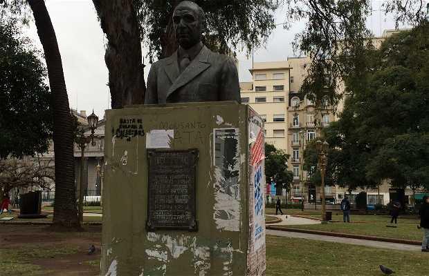 Monumento Rómulo S. Naón