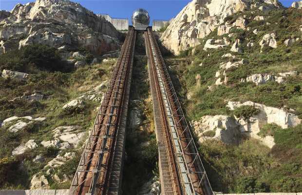 Elevador panorâmico do Monte de San Pedro