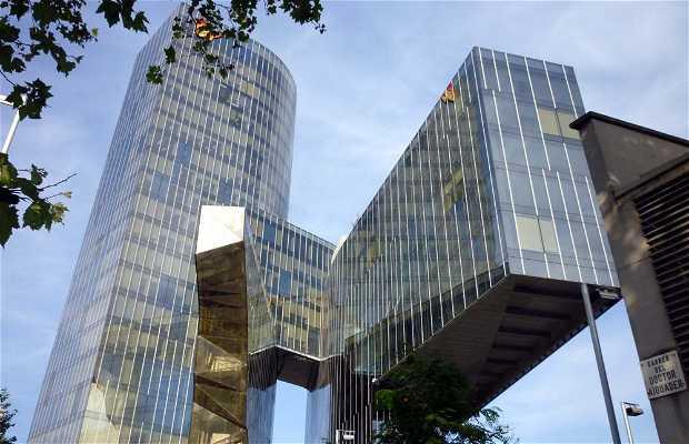 Edificio sede de gas natural en barcelona 3 opiniones y 5 for Imagenes de gas natural