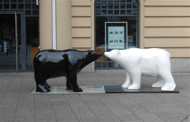 Statua degli orsi