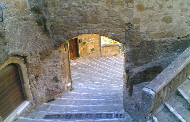 Puerta de Sovana