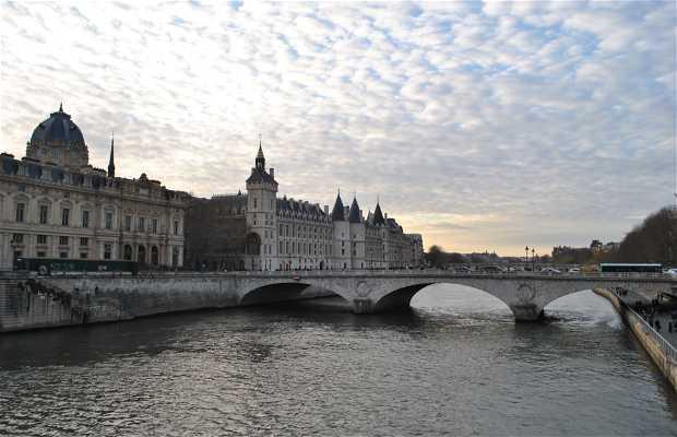 check out 43d1b 1ca12 Ponte Notre Dame a Saint-Jean-Pied-de-Port a Saint-Jean-Pied ...