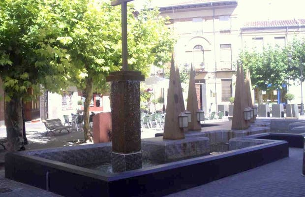 Monument to the medinans Easter