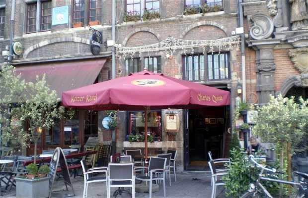 Wenemaar Van Paradijs Tavern