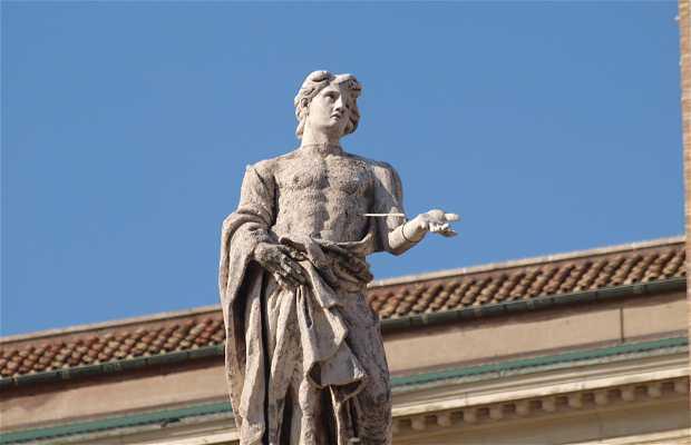 Esculturas de la plaza de san pedro