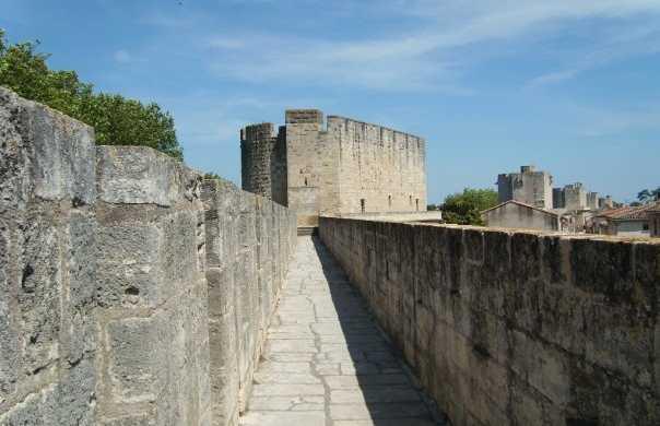 La Torre de Constanza y las Murallas