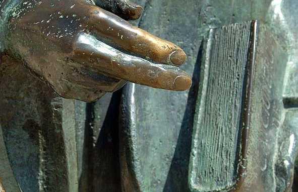 Estatua del Poeta Juan Alonso de Baena