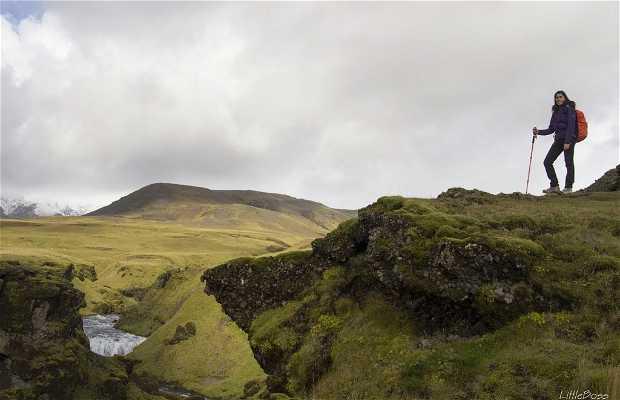 Trekking a Fimmvorduhals