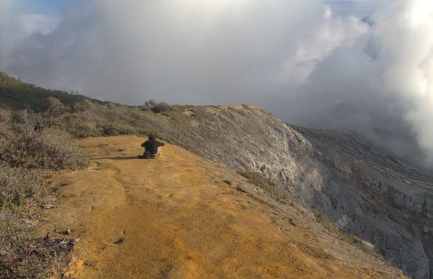 Sendero del crater Ijen