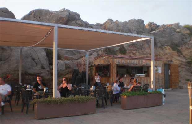 Refreshment Stall in Lastre Beach