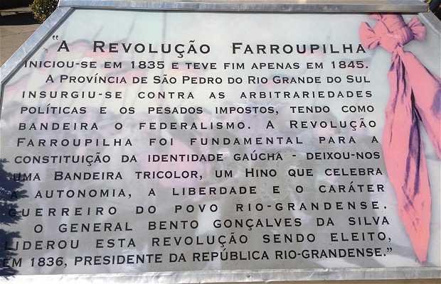 Monumento aos Centauros Farroupilhas