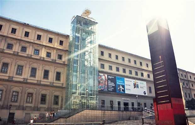Plaza del Museo Reina Sofía