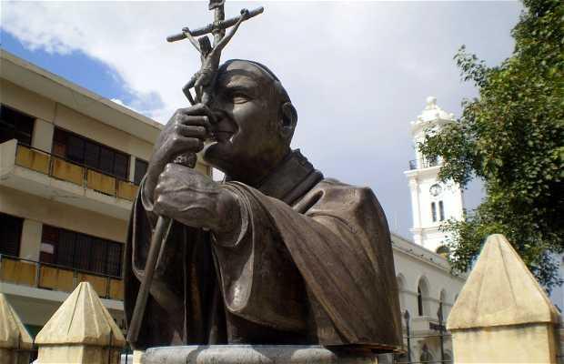 La statue de Jean-Paul II