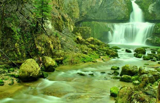 Salto de agua de la Billaude