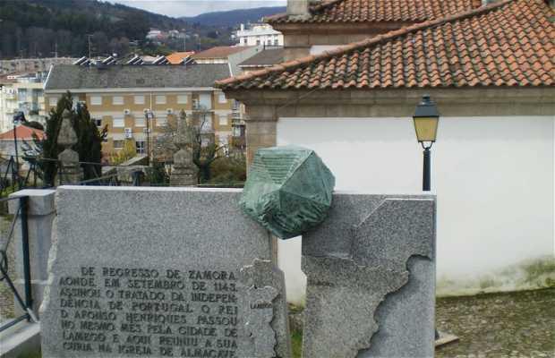 Monument to the Treaty of Zamora
