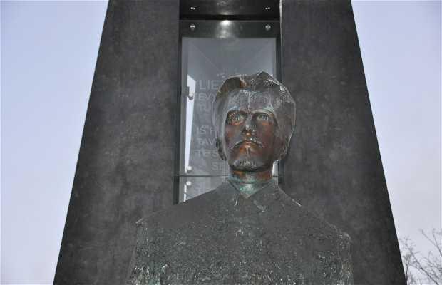 Monumento a Vincas Kudirka