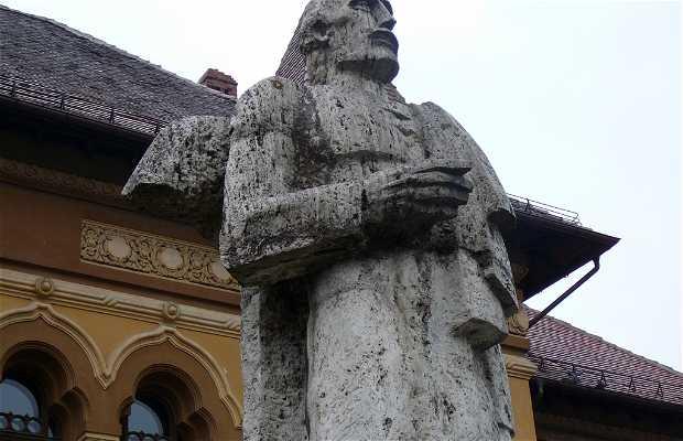 Monument George Baritiu