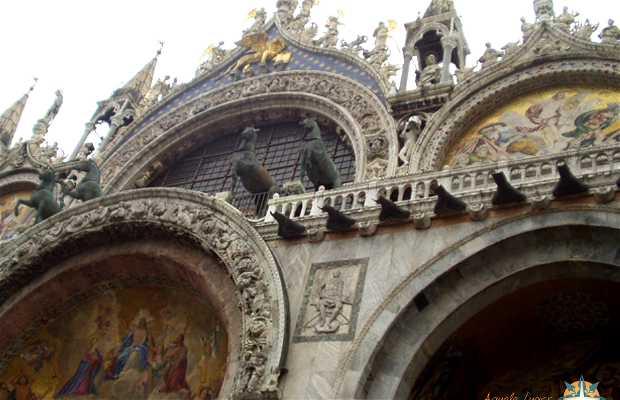 Fachada da Basílica São Marcos