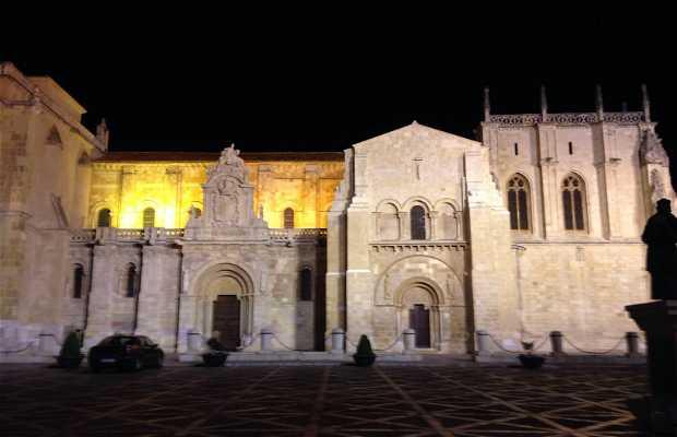 Basílica de San Isidoro y Panteón Real