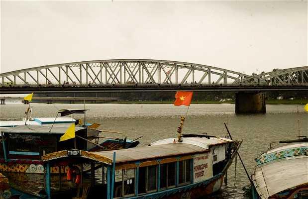 Puente Truong Tien