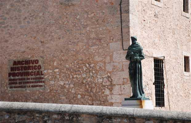 Estatua de Fray Luis de León