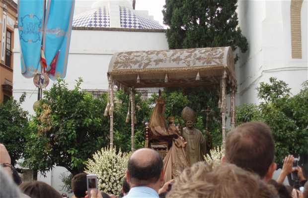 Virgen de los Reyes square