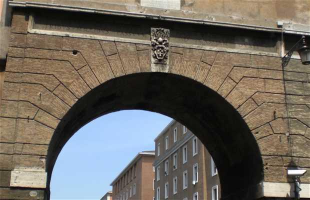 Puerta Angélica