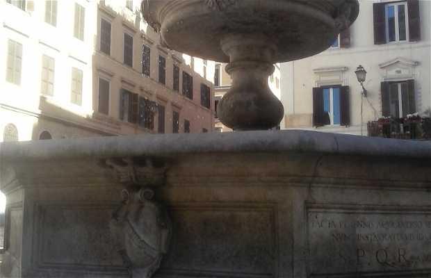 Fontana di Piazza della Madonna dei Monti
