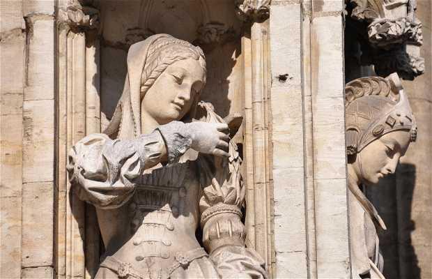 Esculturas del Ayuntamiento