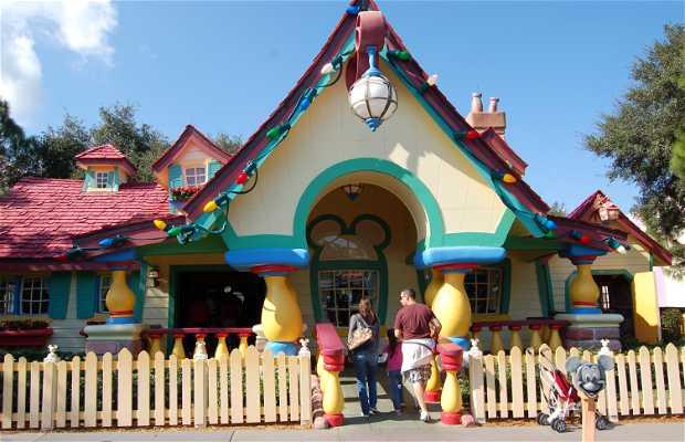 Mickey's Country House, Disney