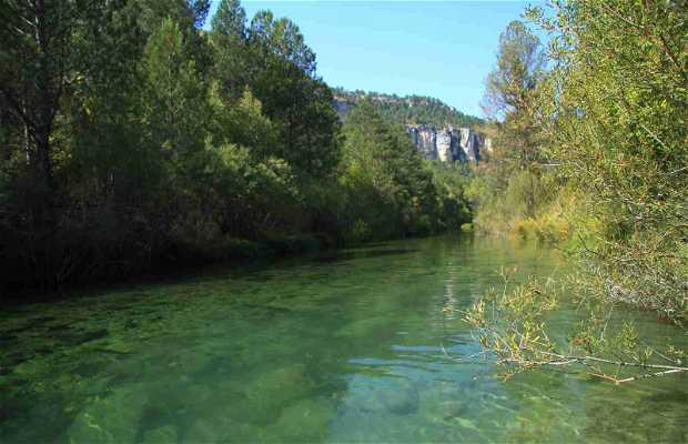 Río Tajo a su paso por Peralejos de las Truchas