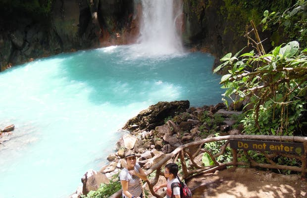 Rio Celeste hidden pool