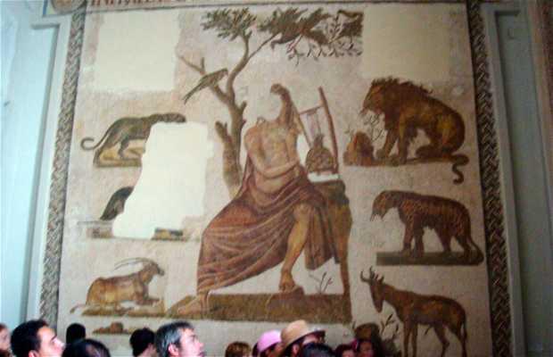 Mosaico de Orfeo encantando a los animales