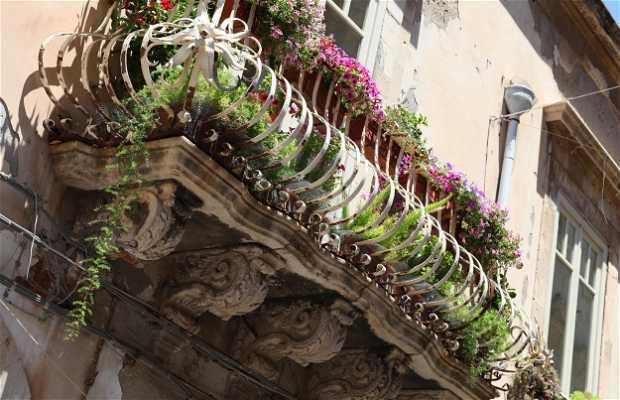 Rue Maestranza