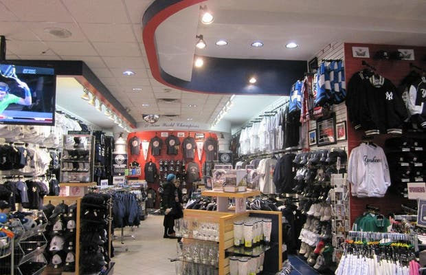 Yankees Clubhouse Shop Times Square